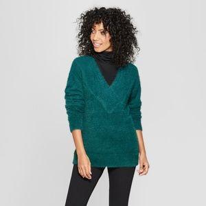 Women's Dark Green V-Neck Eyelash Pullover Sweater